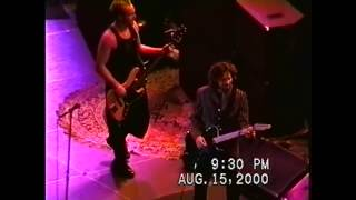 Pearl Jam - Can't Help Falling in Love With You (Memphis, 2000)