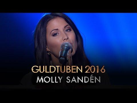 molly-sanden-youniverse-live-i-guldtuben-2016-splay-sverige-sveriges-storsta-youtubers-pa-en-kanal