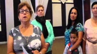 Para Colectar Firmas -- Hispanic Ladies Against Common Core