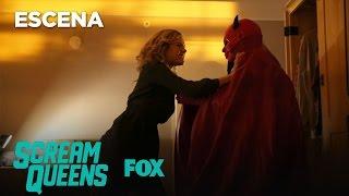 Scream Queens Escena: Grace VS Red Devil | Temp. 1 Ep. 12 | Sub. Español