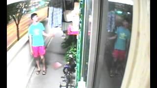 新加坡年轻丝袜贼 1  明地迷亚路