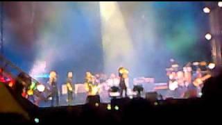 Orange Warsaw Festiwal - Nelly  Furtado -  I'm like a bird (live)