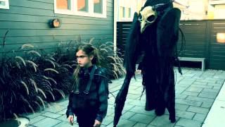Vader en dochter maken het heel creepy