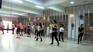 CHORANDO SE FOI - Ivete Sangalo - CLase PROFE FLOPY Coreo RETRO