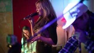 Szimpla - Acoustic Loops : I Follow Rivers- Lykke Li Cover 2012.12.22.
