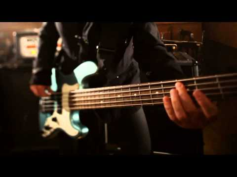 akos-szeress-igy-2011-official-video-hd-mikozod