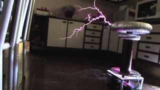 Final Countdown em Bobina de Tesla Eletrônica (Musical Tesla Coil)