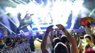 "Armin van Buuren playing ""Great Spirit"" at Untold Festival 2017"