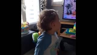 Bébé danse sur CoCo Câline Julien Doré