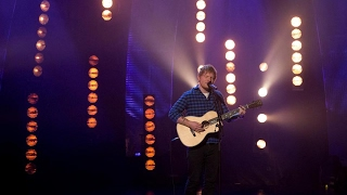 Ed Sheeran - Castle on the Hill LIVE on Graham Norton Show
