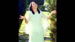 Cantora Valeria Santos Hino :Toma posse da vitoria