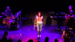 "Alessia Cara covers Drake "" Hotline Bling "" Live NYC Bowery Ballroom"