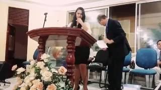 O crente quando chora o Senhor responde!  Raquel Nascimento