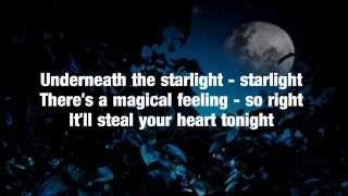 LeAnn Rimes - Can't Fight The Moonlight (Lyrics)