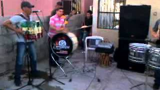 lupe borbon con rancherobanda 2013- camaron caramelo (cumbia)