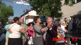 """""""TANGO"""" - uliczna potańcówka z Kapelą """"BOCIANISKO"""" w Garwolinie 2017"""