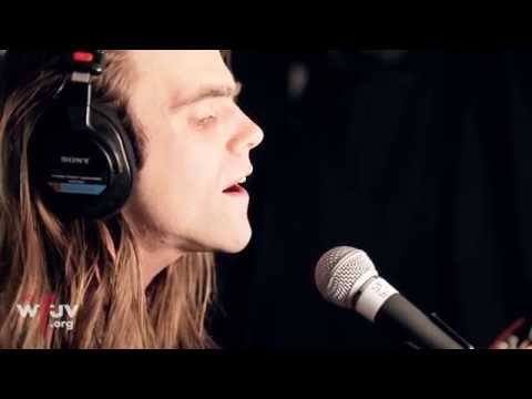 father-john-misty-chateau-lobby-4-in-c-for-two-virgins-live-at-wfuv-wfuvradio