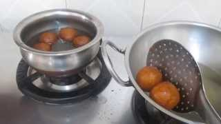 Gulab jamun sweet in tamil - க�லாப� ஜாமூன� செய�ம�றை - How to make gulab jamun in Tamil