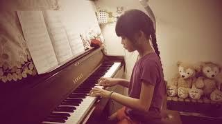 """淇淇8Y9M練琴: 蔡依林(Jolin Tsai) - 幸福路上(電影""""幸福路上""""同名主題曲)鋼琴版"""