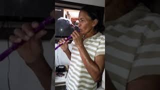 Minha mãe pela Primeira vez fumando narguilé !!
