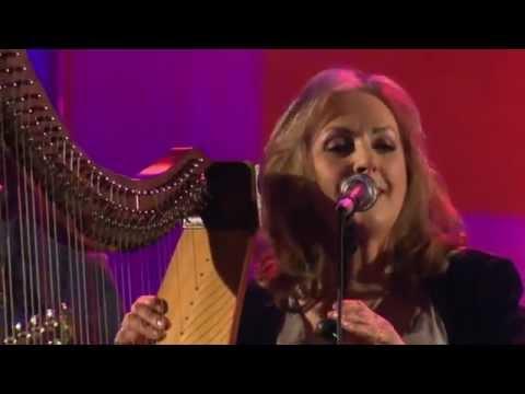 clannad-na-buachailli-alainn-live-2011-sportymike