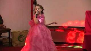 Lucky  Dance Club - Din Roman - Ioana Cijenschi - Mos Craciun Serbare (3).mpg