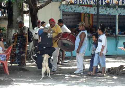 El enano cabezón en Granada (Nicaragua, agosto 2011)