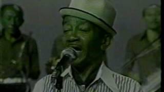 "Jackson do Pandeiro canta ""A mulher do Aníbal "" - 1979"