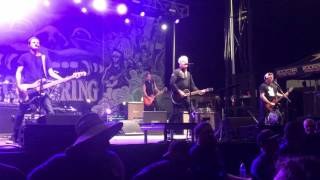 The Offspring - The Kids Aren't Alright (Live)