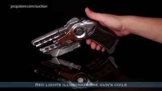 ENDER'S GAME - Lot 405 – Hero Light Up Flash Gun 03