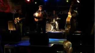 Ike & the Capers - Strange Kinda Feeling LIVE @ SHOWDOWN!