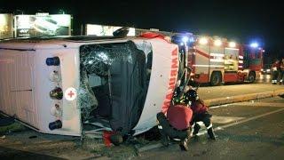 incidente stradale in diretta! ambulanza in sirena si schianta contro una macchina[118 in emergenza]