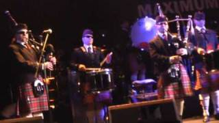 M&D pipes band -  We Will Rock You (21-03-2009 Moscow)