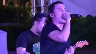 Sponge Cola LIve Concert - Huwag Kang Bibitiw Bigla