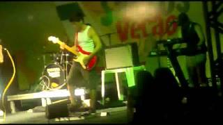 """Dreams"" (Van Halen cover) performed by Divisão"