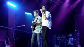 Victor e Leo  - UNIVERSO ALEGRIA 2010 - Estrela Cadente - ao vivo!