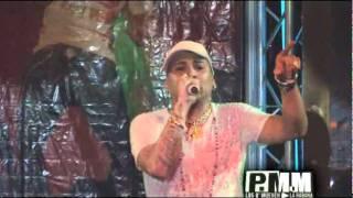 Gente de Zona -La Distancia (Live PMM)2011