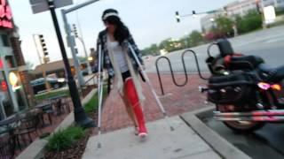 Cathy wants a red full leg cast