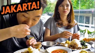 HUGE FOOD CRAWL IN INDONESIA! Padang, Street Food, Obama Nasi Goreng - Asia Tour width=