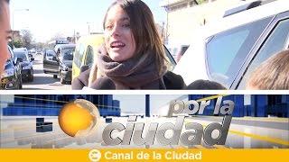 Las fans reciben a Tini Stoessel en la villa 1-11-14 de Bajo Flores - Por la ciudad