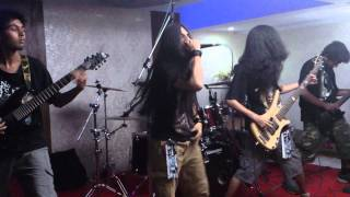 GRiMMoRTaL - Unanswered [Suicide Silence Cover] (Live @ EMF 3, Pune)