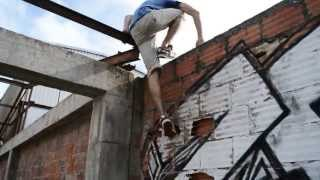 A Vida Ao Limite - Oficial Trailer 2013