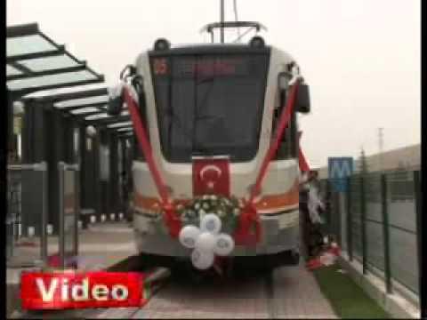 Video   GÜNCEL   Bu da gelin tramvayı   Gaziantep'te dünya evine giren karı koca vatmanlar kendileri için süslenen tramvayla şehir turu yaptı
