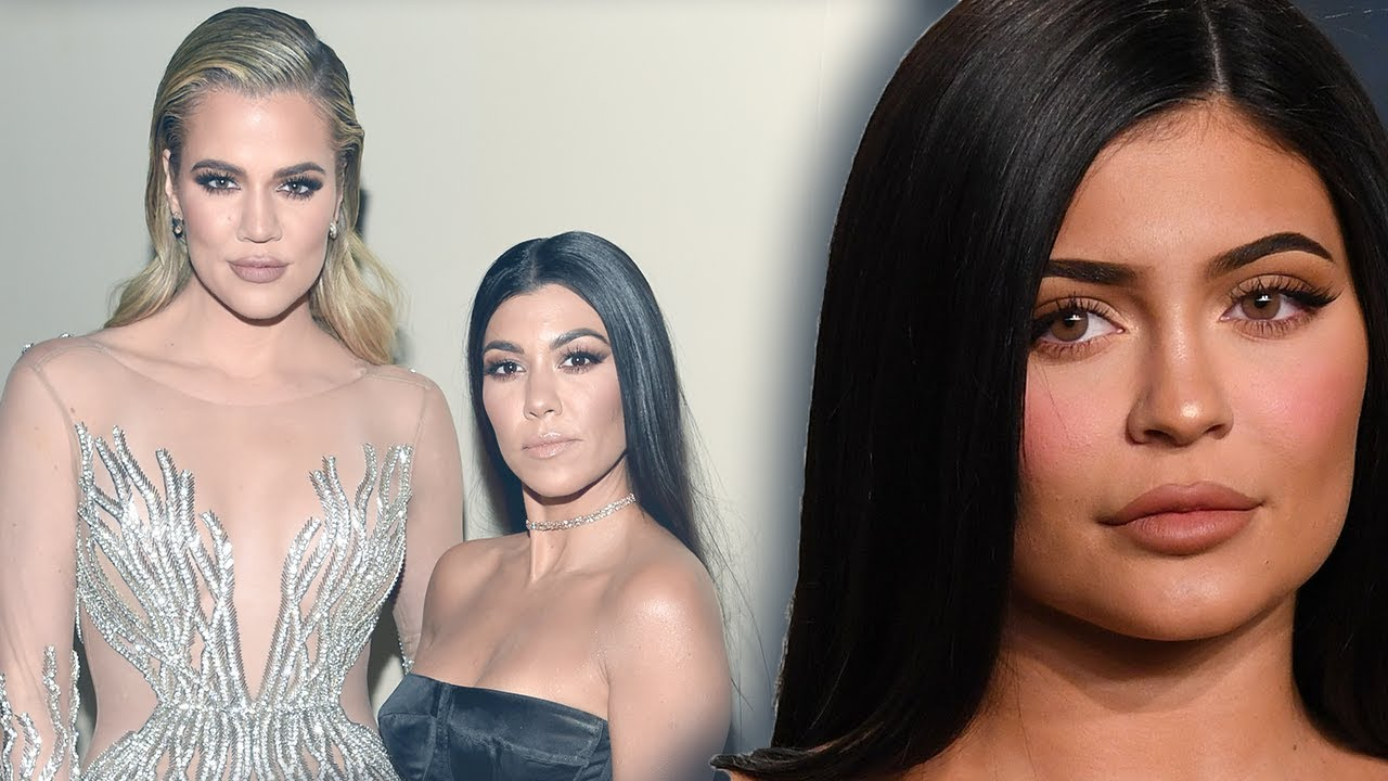 Kourtney Kardashian reacts to Khloe Kardashian & Kylie Jenner shade after Oscars Party