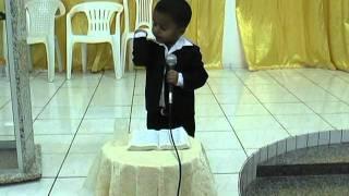 Criança de 2 anos prega na Igreja Assembléia de Deus em Uruçui - PI.