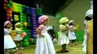 Gabriella Oliveira dança  A BONEQUINHA (XUXA)