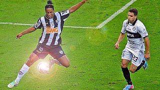 Ronaldinho ● TOP 4 Ultimate Soccer/Football Skills & Tricks