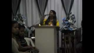 Evelyn Rebeca Louvando em Caruaru