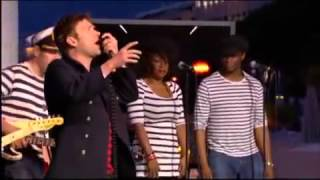 Rhinestone Eyes Live in Cannes   Gorillaz on Le Grand Journal