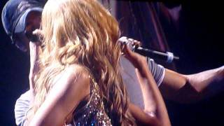 Enrique Iglesias & Havana Brown-Heartbeat BRISBANE LIVE